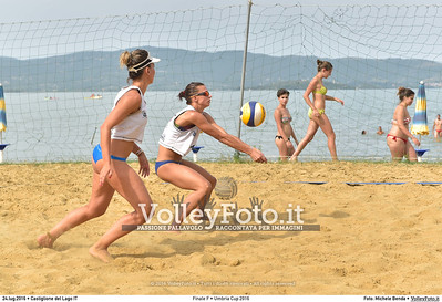 FINALE Femminile: Raimondo - Di Nardo Di Maio vs. Montani - Micheletti Umbria Cup 2016 Beach Volley  La Merangola Sport Beach, Castiglione del Lago PG, 24.07.2016 • FOTO: Michele Benda © 2016 Volleyfoto.it, all rights reserved [id:20160724._MB31953]