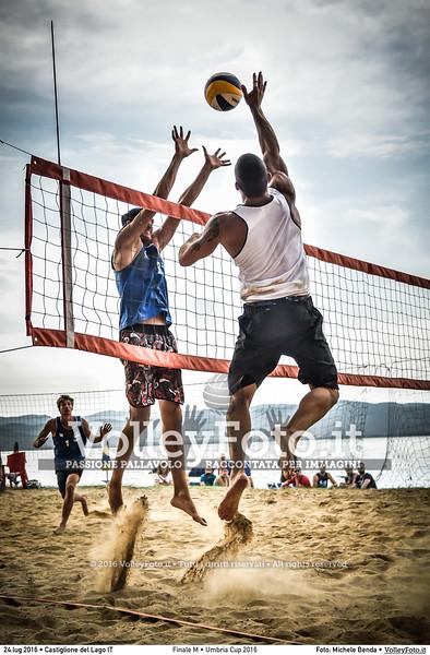 """<h4>FINALE Maschile: Casadei-Raggi vs. Galliani-Pierini </h4>Umbria Cup 2016 Beach Volley  La Merangola Sport Beach, Castiglione del Lago PG, 24.07.2016 • FOTO: <a class=""""vf-fotografo"""" href=""""http://www.volleyfoto.it/About"""">Michele Benda</a> © 2016 Volleyfoto.it, all rights reserved [id:20160724._MB32234]"""