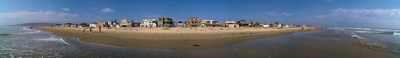 North Pacific Beach to North Mission 6-25-2006<br /> This is a series of 18 panoramas from north to south.<br /> Were you there? Do you see yourself?<br /> <br /> 15 of 18 North to South<br /> <br /> Lifeguard Tower 20<br /> <br /> Use size 'O' to see full size panorama.