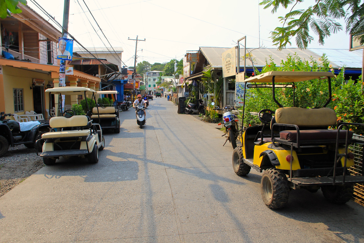 Main Street, Utila.