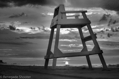 b-w lifeguard beach chair