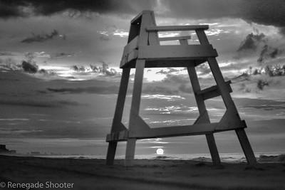 b-w lifeguard beach chair