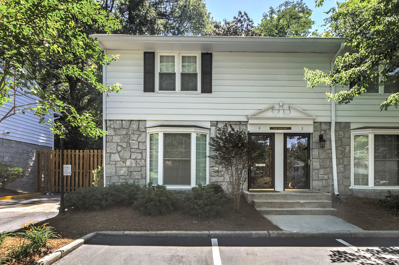 136 Peachtree Memorial Dr NW unit 4 - 001