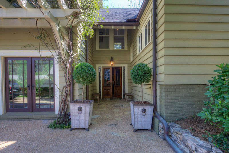 202 Lakeview Avenue  021