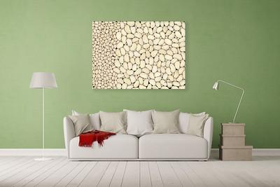 Wohnzimmer mit Platz für Leinwand über Sofa