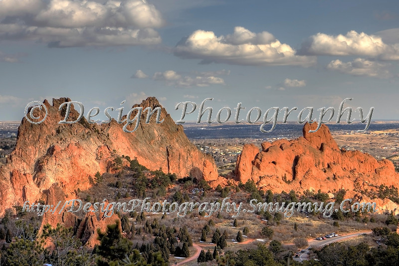 Midday at Garden of the Gods, Colorado Springs in background