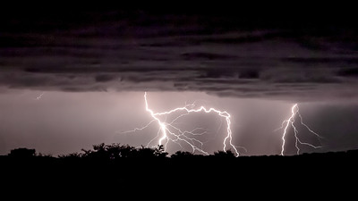 Lightning strikes in the Kgalagadi