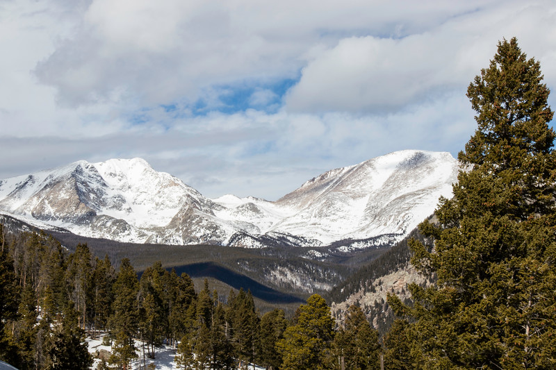 Snowy mountain view in Rocky Mountain National Park