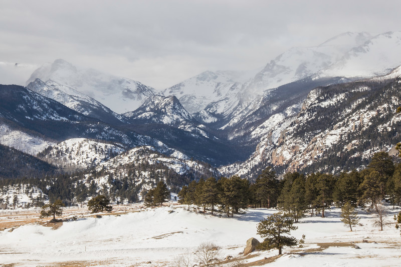 Snowy mountains in Rocky Mountain National Park