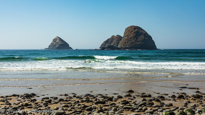 Sea stacks on a rocky beach in Oregon