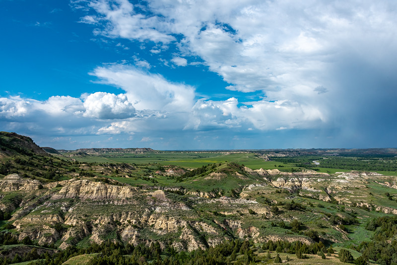 Medora to the North!