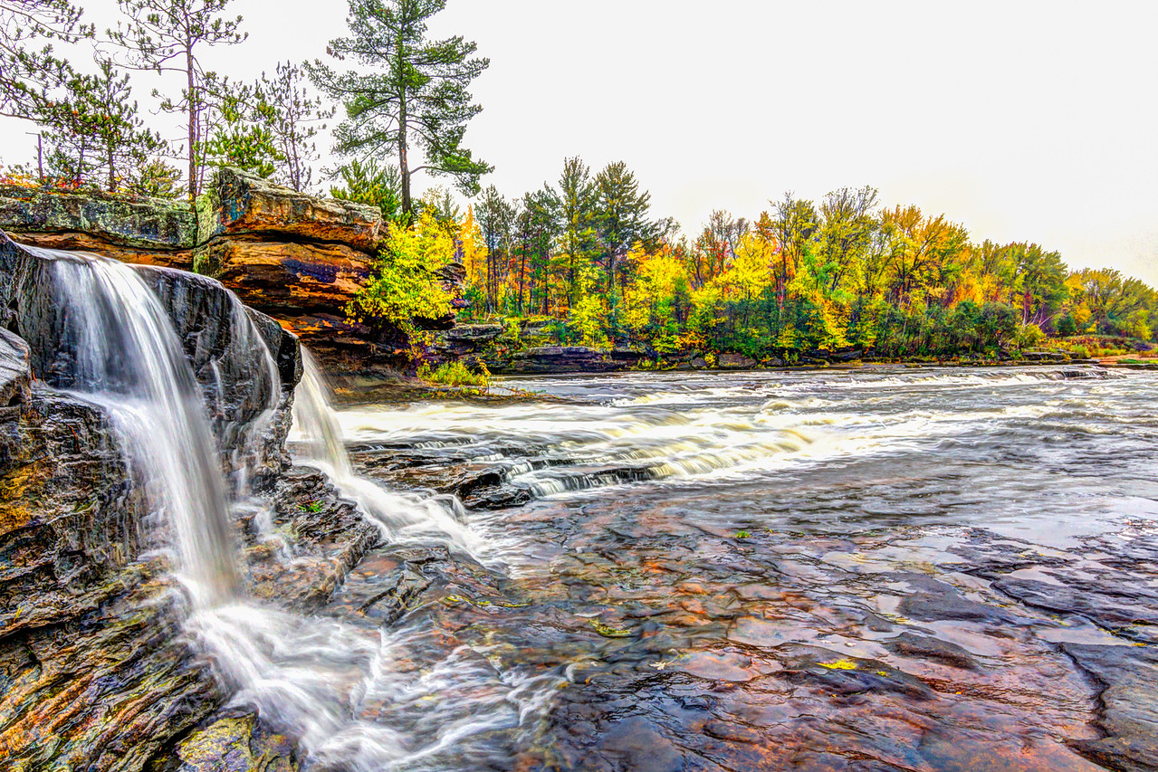 Early Fall Color - kettle river, Sandstone MN