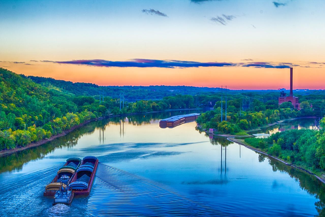 Sunrise & Mississippi river view