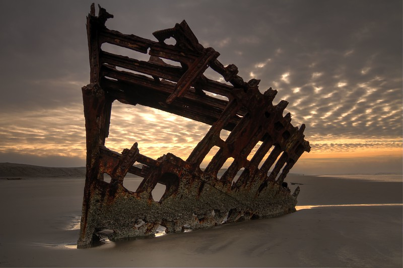 Sunrise over the Peter Iredale