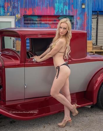 Julia - Car 12