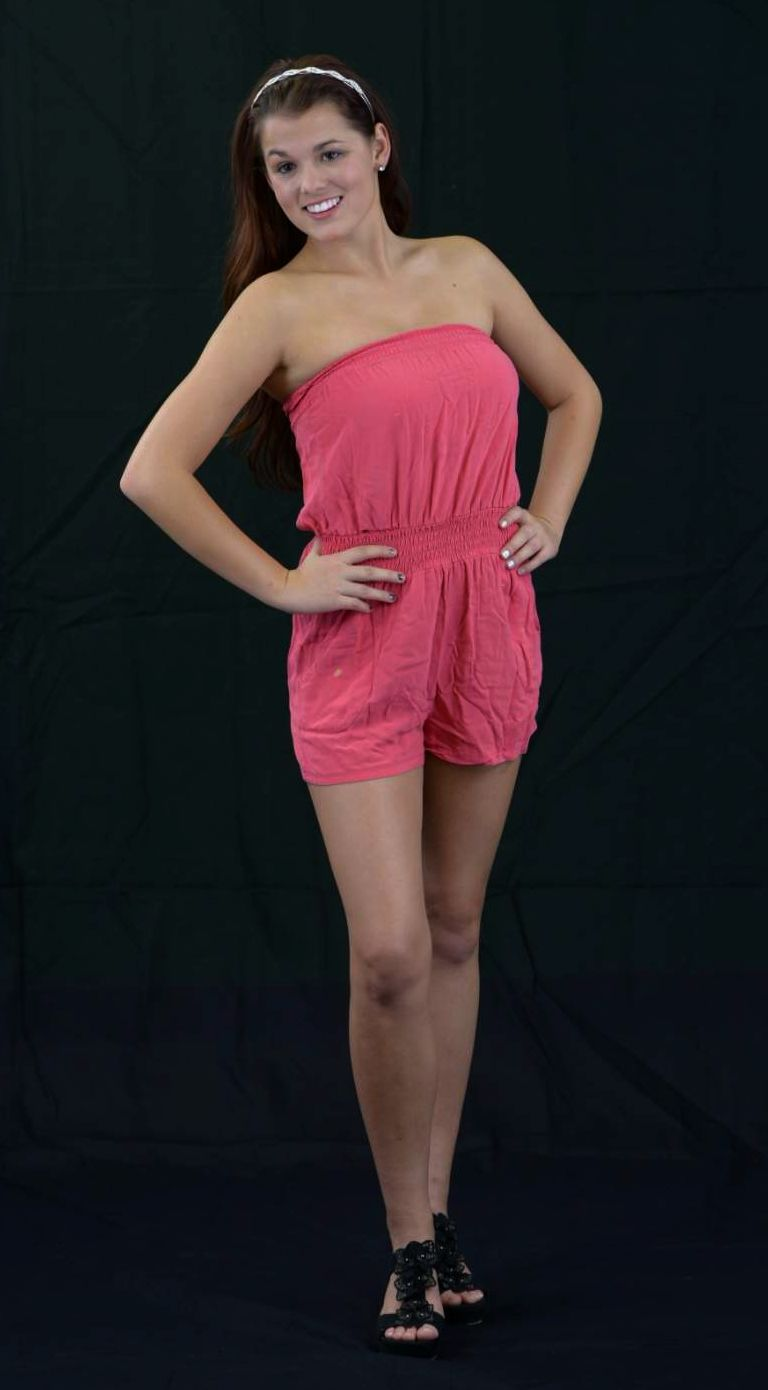 Mikalya posing 101