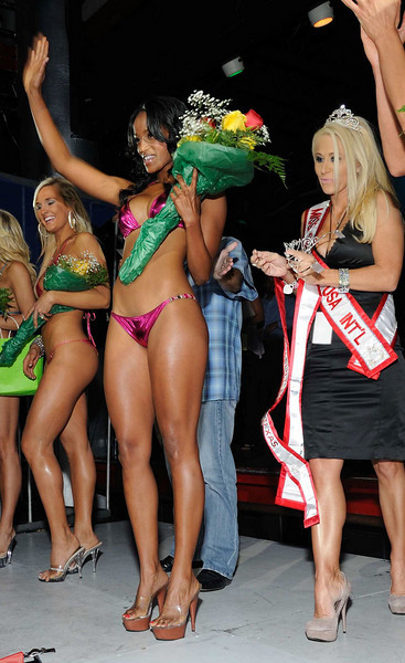 The 2010 swimsuit Texas winner.