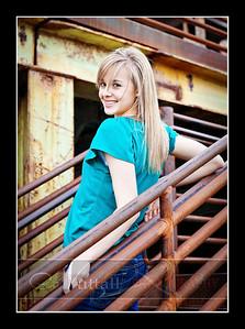 Gwen Senior 28