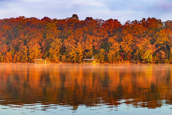 """10.28.19 - Prairie Creek Arm of Beaver lake showing color in the """"golden hour""""."""