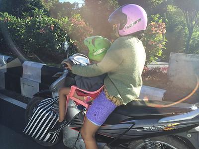 Siège moto pour enfant... homologation en cours... ou pas :)