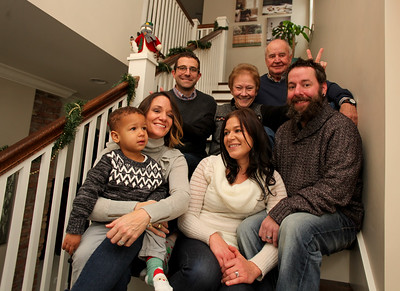 bechert-family-holiday-2017-016