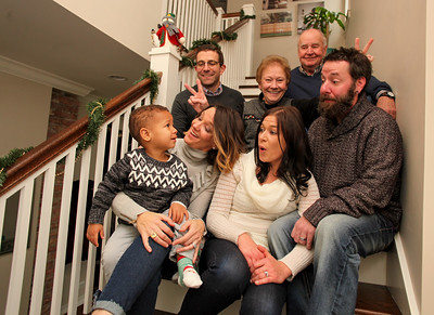 bechert-family-holiday-2017-014