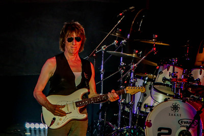 Jeff Beck performs at Fiddler's Green Amphitheater on Aug. 7, 2016. Photos by Michael McGrath heyreverb.com.