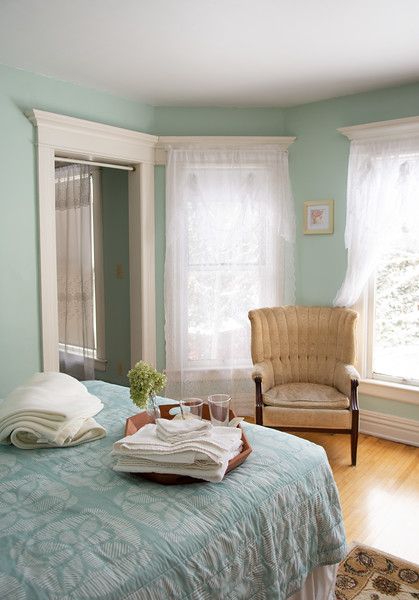 APPLEWOOD SUITE<br /> <br /> Rates: <br /> Single Occupancy: $90.00<br /> Double Occupancy:  $99.00<br /> Additional Guest:  $15.00<br /> Check in: 3:00pm<br /> Check out: 11:00 am<br /> Second story room<br /> This suite has a queen sized bed, a table and two chairs, a sitting area, a kitchenette with refrigerator, microwave and coffee maker and an attached bathroom. The washer and dryer are reserved for innkeeper use but may be available for guests upon request. <br /> Free WIFI<br /> Breakfast INCLUDED<br />  NYS Sales Tax and Bed Tax not included