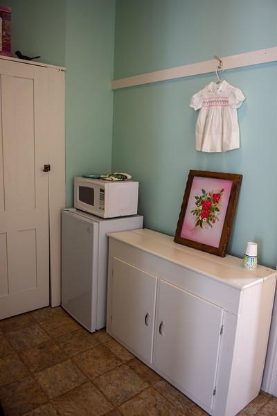 Kitchenette to Applewood Suite