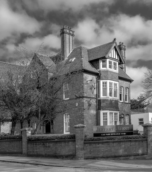 11  Cliftonville, Northampton