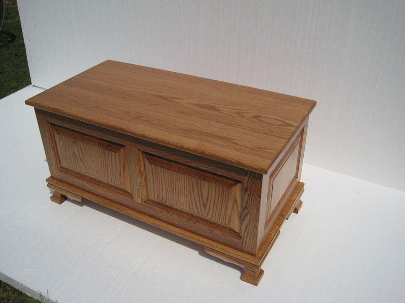 Medium Oak Heritage Chest