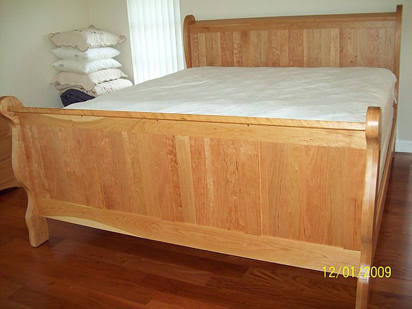 Classic Panel Sleigh Bed in Cherry with Natural Finish