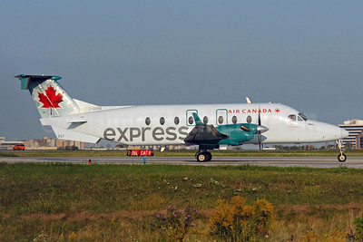 Air Canada Express-Air Georgian Beech (Raytheon) 1900D C-GORA (msn UE-326) YYZ (TMK Photography). Image: 907235.