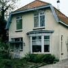 BP015  Teylingerlaan 49<br /> <br /> Meer informatie is te vinden in 'Monumenten in Sassenheim', een uitgave van de Stichting Oud Sassenheim