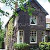 BP010  Teylingerlaan 37<br /> <br /> Meer informatie is te vinden in 'Monumenten in Sassenheim', een uitgave van de Stichting Oud Sassenheim