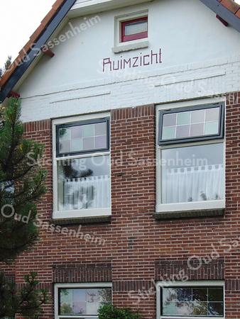BP014  Teylingerlaan 47<br /> <br /> Meer informatie is te vinden in 'Monumenten in Sassenheim', een uitgave van de Stichting Oud Sassenheim