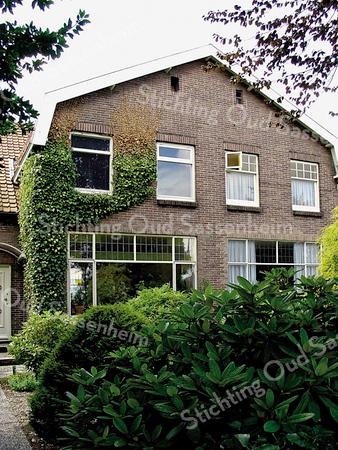BP011  Teylingerlaan 39<br /> <br /> Meer informatie is te vinden in 'Monumenten in Sassenheim', een uitgave van de Stichting Oud Sassenheim