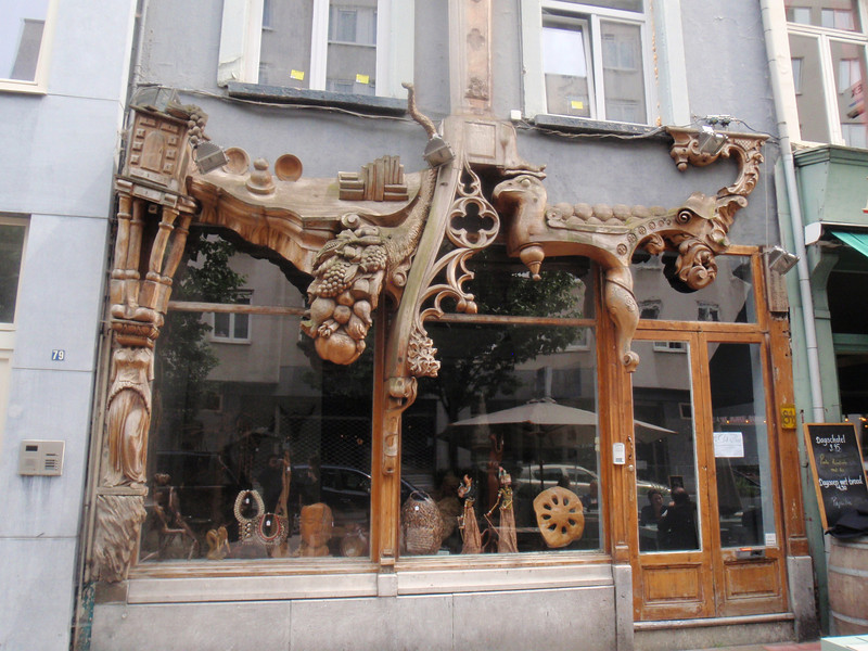 Antwerp beer tour, interesting things you see walking around cities