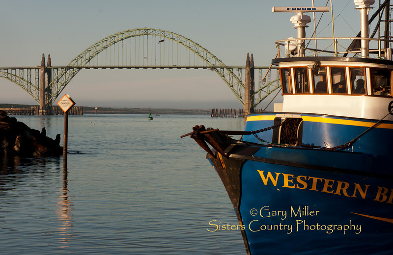 Yaquina Bay Scenes - Newport, Oregon - Photo by Gary Miller - Sisters Country Photography