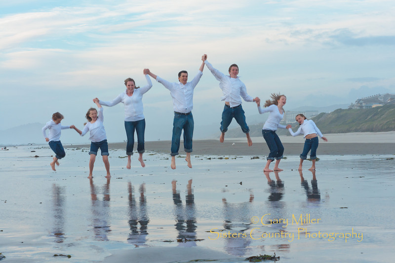 Hannah Family Portrait Shoot - Newport, Oregon Sept. 2011 - Photo by Gary Miller - Sisters Country Photography