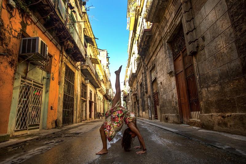 Composition Urdhva Danurasana ~ Havana, Cuba