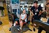 """Un jeune garçon obèse réalisant un exercice dans le centre de fitness """"Nirvana"""" de Pékin. Beijing/Chine"""