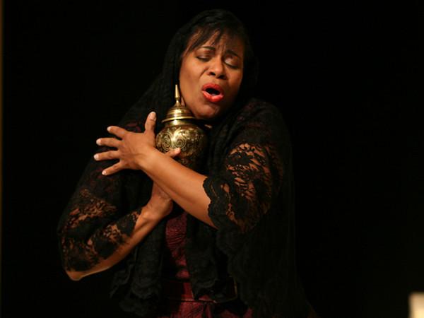 Act I  <i>Nel Tuo Seno, </i>Cornelia:  Anamer Castrello <i>Cara Speme,</i> Sesto: Tammy Coil  Cleopatra: Bridgid Eversole Nireno: Sean Pflueger