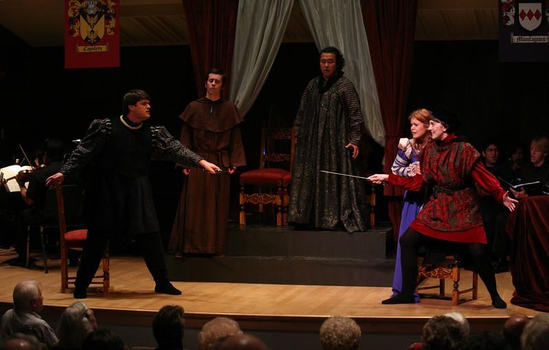 Romeo: Jessica Renfro, Giulietta: Meghan McCall, Lorenzo: Charlie Hyland,Tebaldo: Patrick Layton, Capellio: Kwang Kyu Lee.