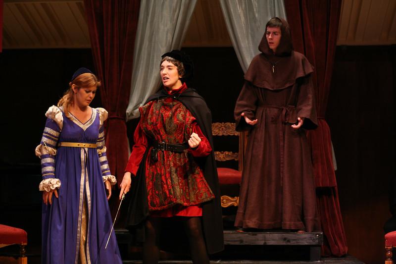 Romeo: Jessica Renfro, Giulietta: Meghan McCall, Lorenzo: Charlie Hyland