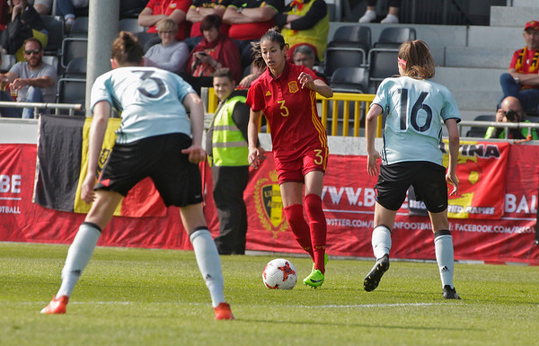 2017-04-08 - Eupen - Interland - Belgium Red Flames - Spain - Leila Ouahabi (Spain) - Nicky van den Abbeele (Belgium)