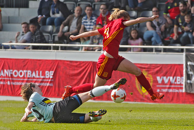 2017-04-08 - Eupen - Interland - Belgium Red Flames - Spain - Barbara Latorre (Spain) - Imke Courtois (Belgium)