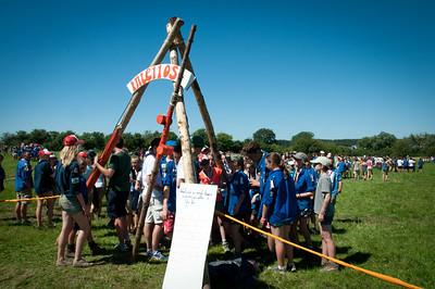 Woodscout - Pendant l'après-midi, des scouts et guides belges à la recherche de leur atelier
