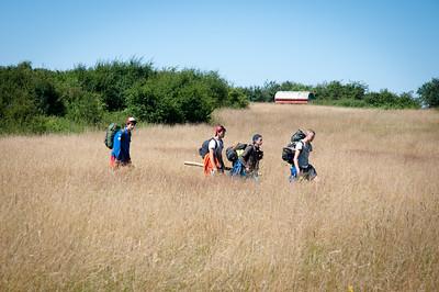 Woodscout - Une patrouille de Scouts belges arrive sur la plaine
