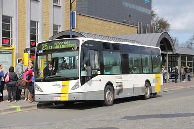 De Lijn 4261 Stationsplein Bruges Apr 13